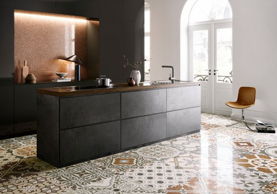 Newdecò: marble and travertine effect stoneware
